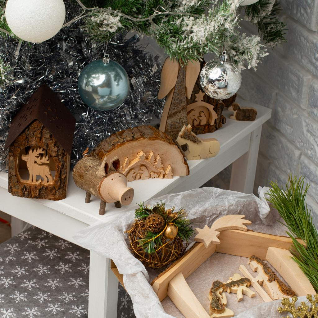 4 Wonderful Christmas Decoration Ideas - Forest Decor